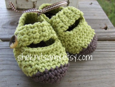 chocolate dipped baby shoes--green unisex