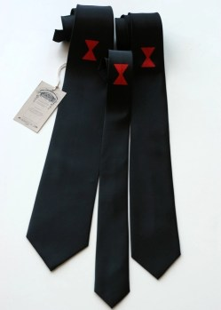 Black widow spider necktie. Choose skinny, narrow, or standard width.