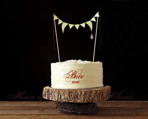 Fang Glow in the Dark Cake Bunting