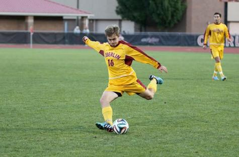 Men's Soccer Team Falls in Second Conference Match