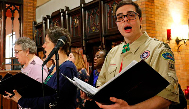 EAGLE SCOUT CONNOR WHELAN SINGS WITH THE CHOIR DURING A SCOUT SUNDAY MASS FEB. 7 AT IMMACULATE HEART OF MARY CHURCH IN THE WINDSOR TERRACE NEIGHBORHOOD OF THE NEW YORK BOROUGH OF BROOKLYN. / PHOTO:  (CNS PHOTO/GREGORY A. SHEMITZ)