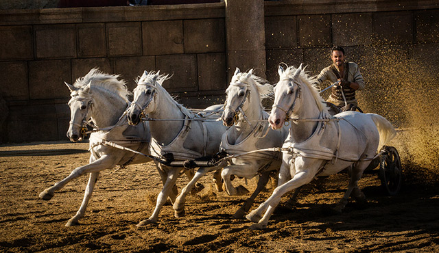 """JACK HUSTON STARS IN A SCENE FROM THE MOVIE """" BEN-HUR."""" / PHOTO: CNS PHOTO/PARAMOUNT PICTURES AND METRO-GOLDWYN-MAYER PICTURES INC"""