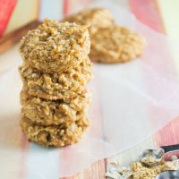 Mini Gingerbread Oatmeal Breakfast Bites