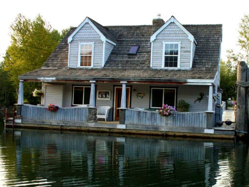 Pretty Stay Sale North Carolina Floating Homes A Float Home On Coeur River Stay Sale A Float Home On Coeur Homeaway Floating Homes Washington