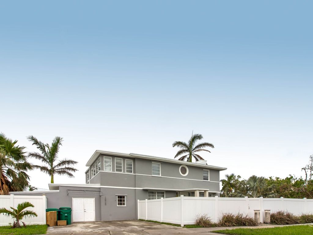Fullsize Of Art Deco House