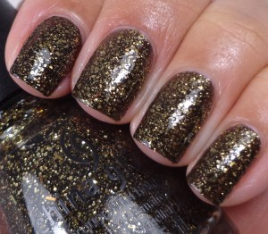 China Glaze Bat My Eyes 1