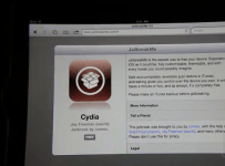JailbreakMe installing Cydia
