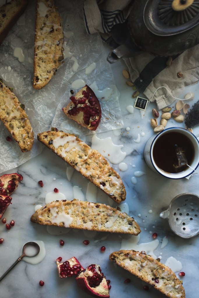 pomegranate pistachio and lemon biscotti // ohhoneybakes.com