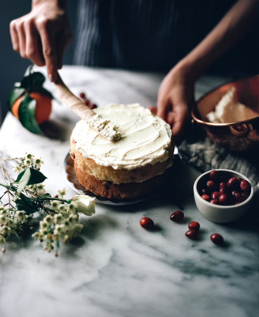 cranberry orange cake // ohhoneybakes.com