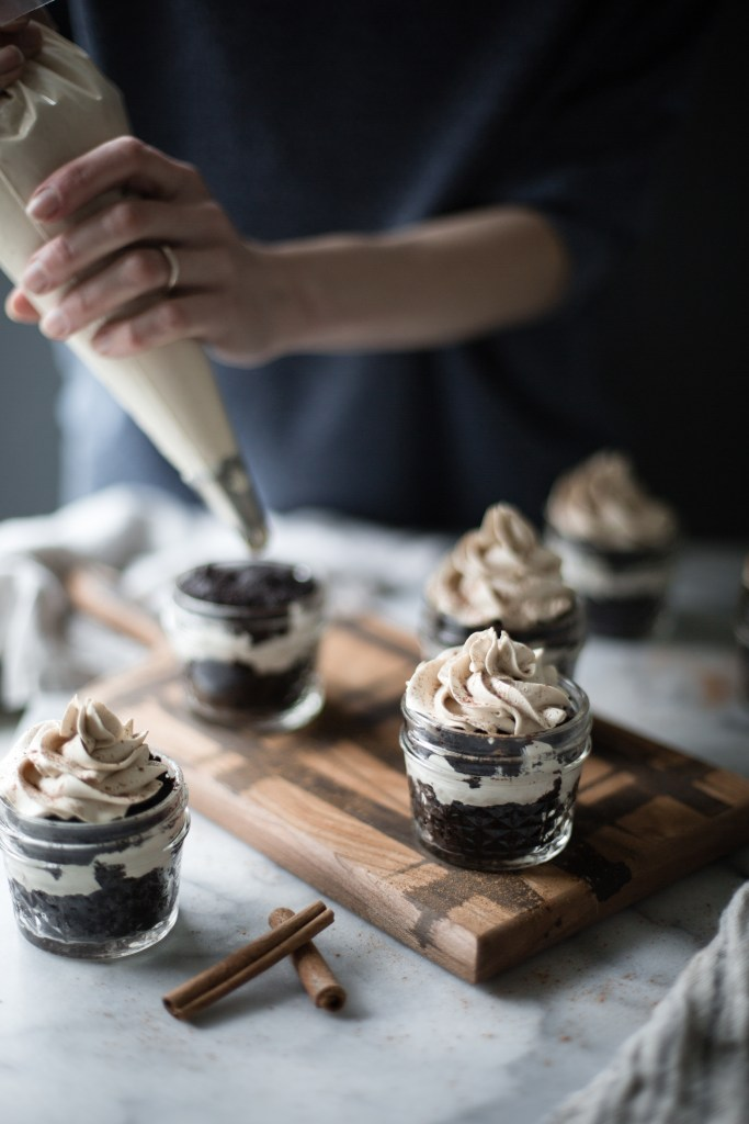 dark chocolate, espresso and amaretto spoon cakes // ohhoneybakes.com