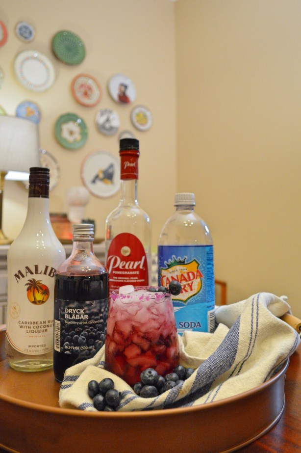 Coco-Berry Cocktail Recipe - Pomegranate Vodka, Coconut Rum, Blueberry, Club Soda Alcohol Recipe Party Drink for Summer - Oh Julia Ann - Sweet Tropical Beverage (1)