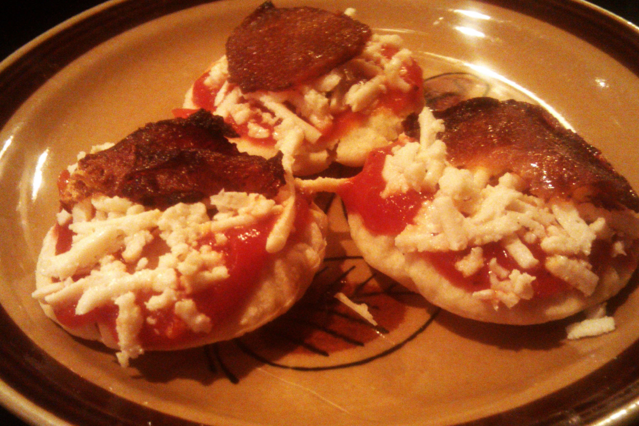 281485 Lunchables Burgers besides Sprinkle Spangles further Ultimate Nachos moreover Watch besides Category Varieties. on lunchables pizza swirls