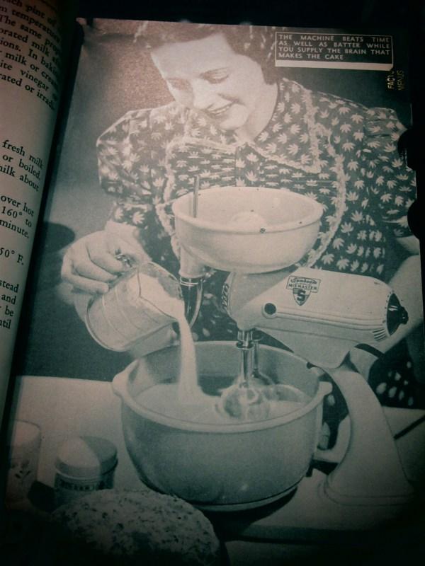 2013730 womens world cookbook3