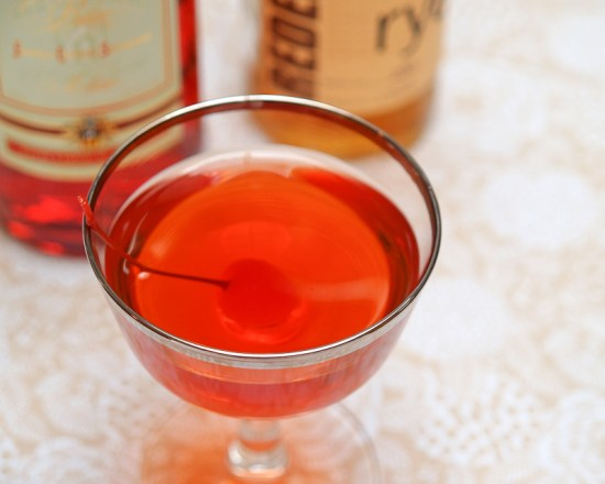 Cocktail Friday Boulevardier 18 550x440 Friday Happy Hour: The Boulevardier (aka: The Bittersweet Manhattan)