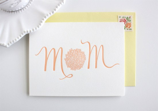 mom bouquet honizukle 550x388 Seasonal Stationery: Mothers Day Cards