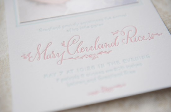 Birth Announcement Holly Hollon Four Hats Press Stacy Richardson Photography2 550x361 Marys Sweet + Feminine Letterpress Baby Announcements