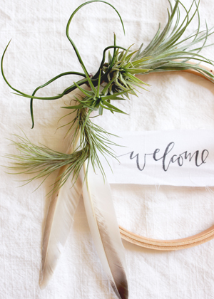 air plant wreath welcome summer 2 DIY Tutorial: Summer Air Plant Wreath