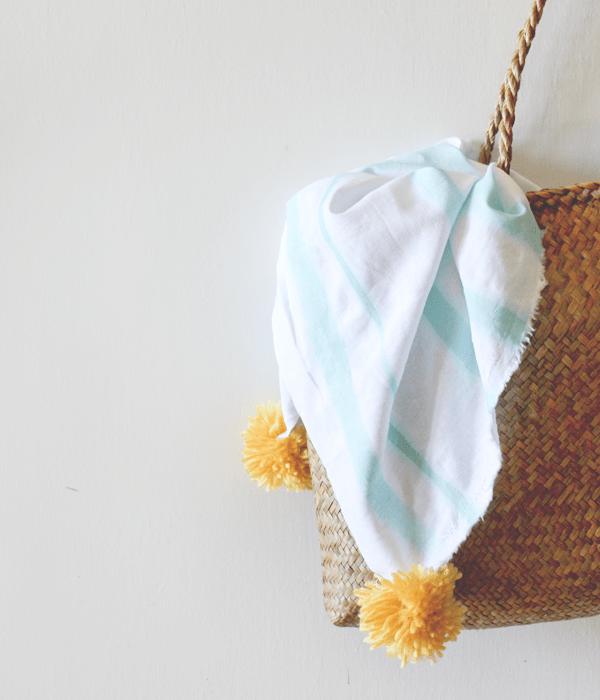 DIY Dyed Striped Linen Pom Pom Blanket AFabulousFete OSBP 10 DIY Tutorial: Striped Linen Pom Pom Blanket