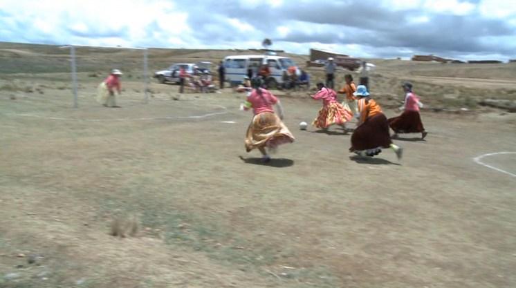cholitas-still3