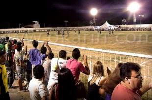 Visão do campo do Parque de Eventos durante o jogo de abertura do certame em 2014   Foto: Acervo OKariri