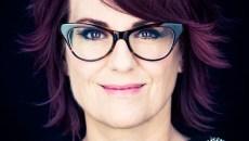 Headshot of Megan Mullally by Eric Schwabel