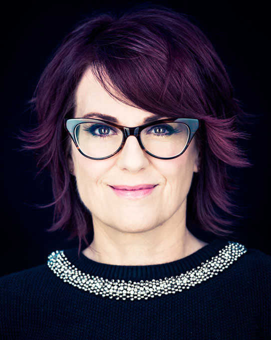 Megan Mullally returns...