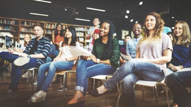 Student Study Classmate Classroom Lecture Concept | Photo bigstock.com