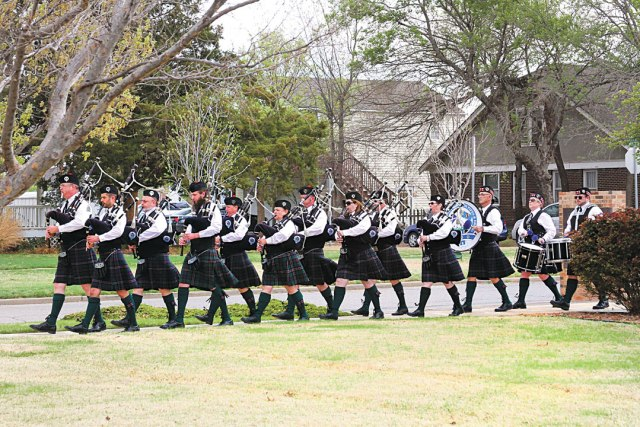 Oklahoma Scottish Pipes & Drums kicks off O'Connell's St. Pat's 8K run. (Oklahoma Scottish Pipes & Drums / provided)