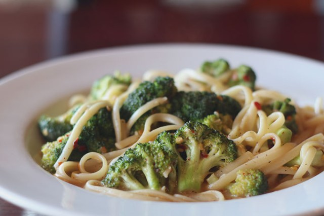 Linguine broccoli with olive oil, red pepper and garlic (Cara Johnson)