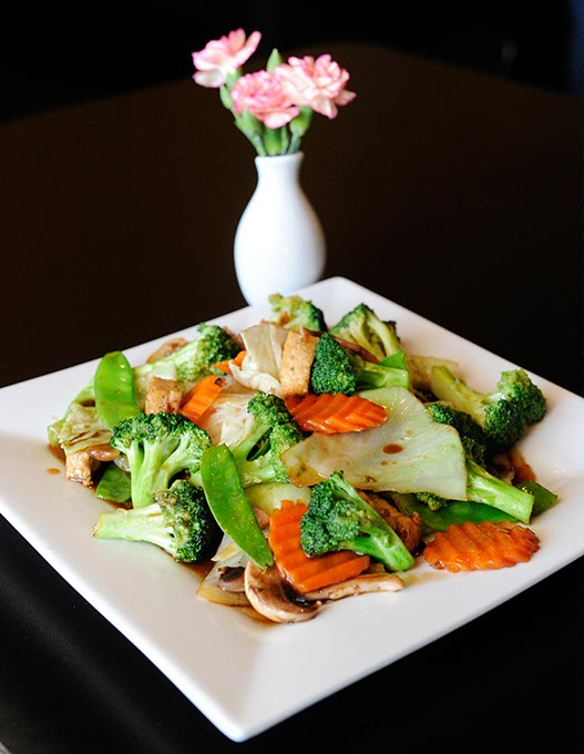 <em>Pad</em> vegetables at Bistro 38 Thai Green Cuisine (Garett Fisbeck / file)
