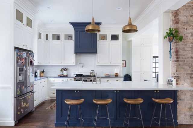 Many homes on the Mesta Park Holiday Home Tour feature refurbished or remodeled, updated kitchens like the one in 714 NW 18th St. (JL Photo Services / Mesta Park / provided)