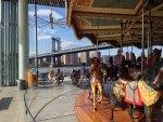 ニューヨークの絶景が一望できるメリーゴーランド『JANE'S CAROUSEL』