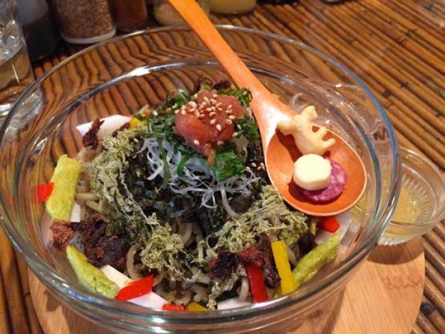 沖縄ジャージャー麺屋「モガメン」梅とろじゃじゃ麺Q