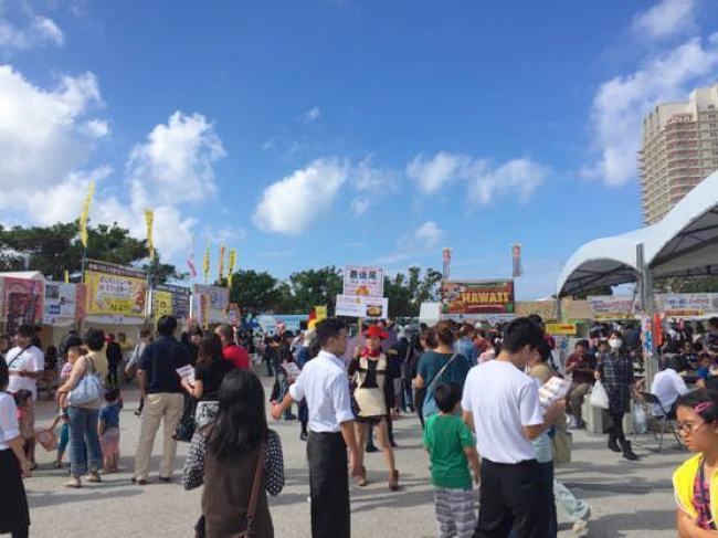 沖縄グルメ頂上決戦の様子