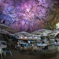 ガンガラー谷『cave-cafe』