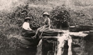 blog nicholls violet donkin & friend Kabete  waterfall