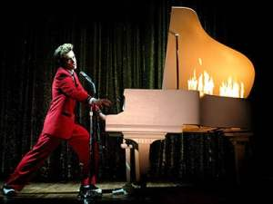 Watch Lipinsky hammer the piano!
