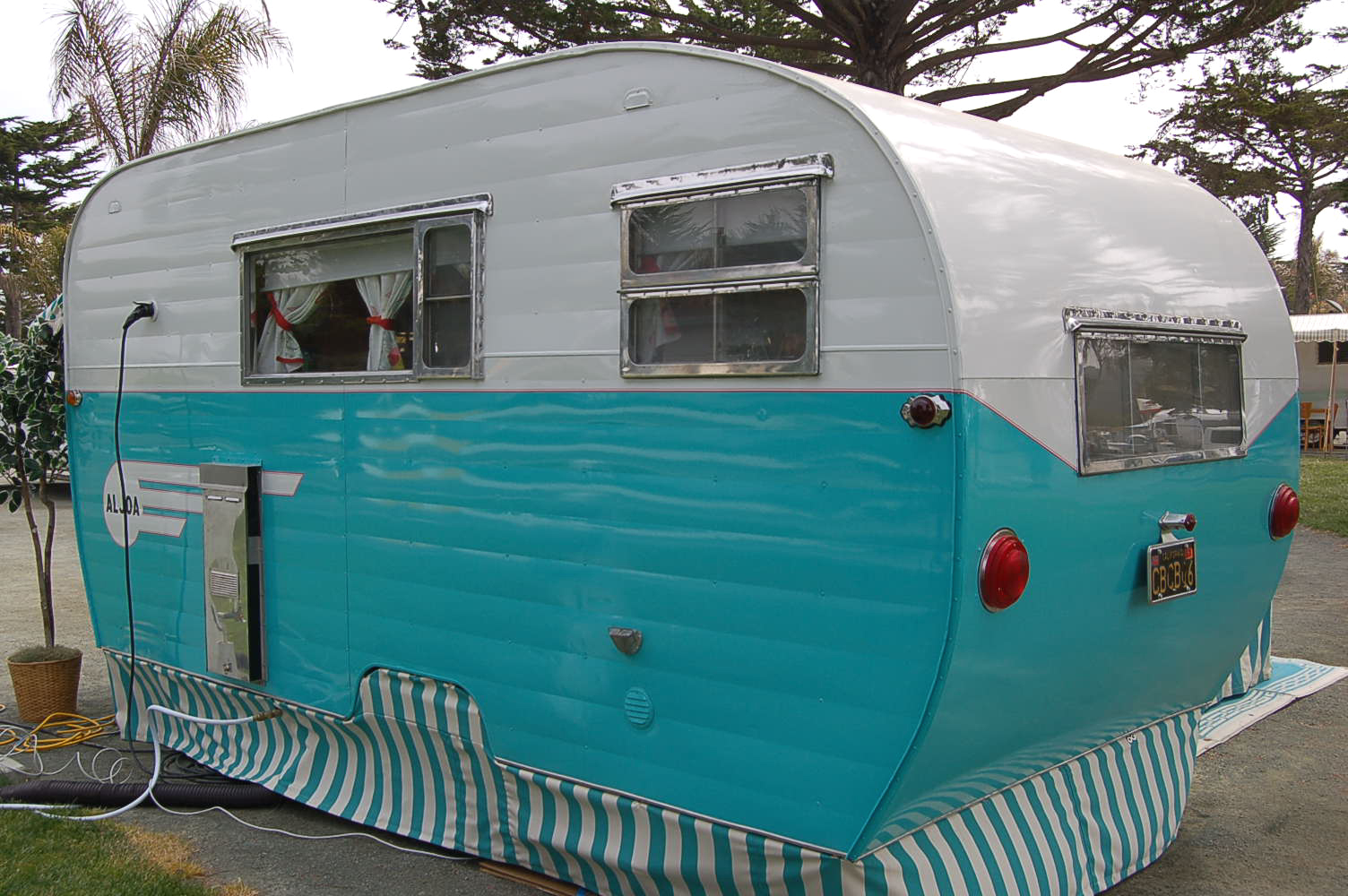 Preferential Paintscheme Vintage Aljoa Trailer S Turquoise From Canned Ham Camper Plans Canned Ham Camper Remodel Aljoa Canned Ham Trailer Painted curbed Canned Ham Camper