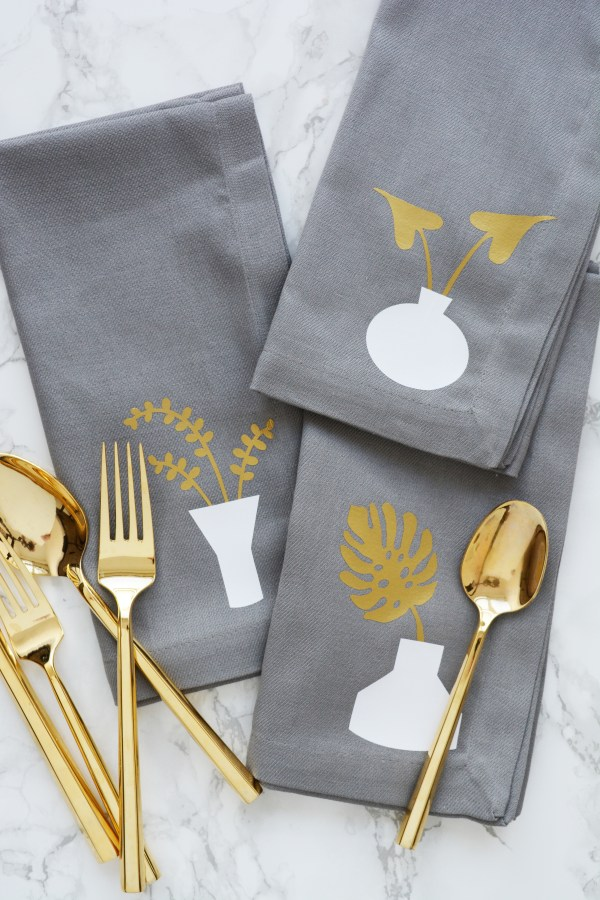tropical leaf napkins 1