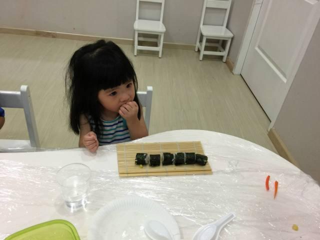 eatingsushi