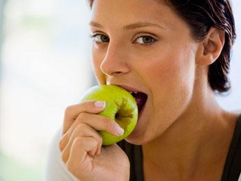 20090826-woman-eat-healthy-350x263