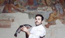Νέος, ταλαντούχος και Έλληνας σεφ: η τριπλέτα που σαρώνει!