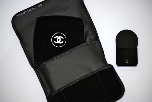 Chanel Illuminating Powder open sleeve & compact