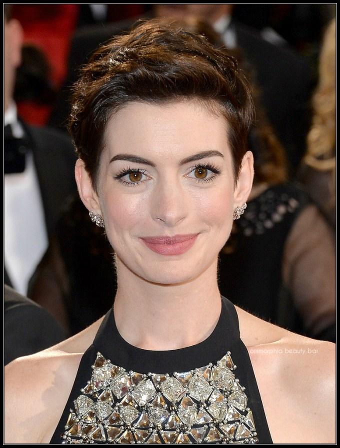 Anne Hathaway makeup oscars 2014