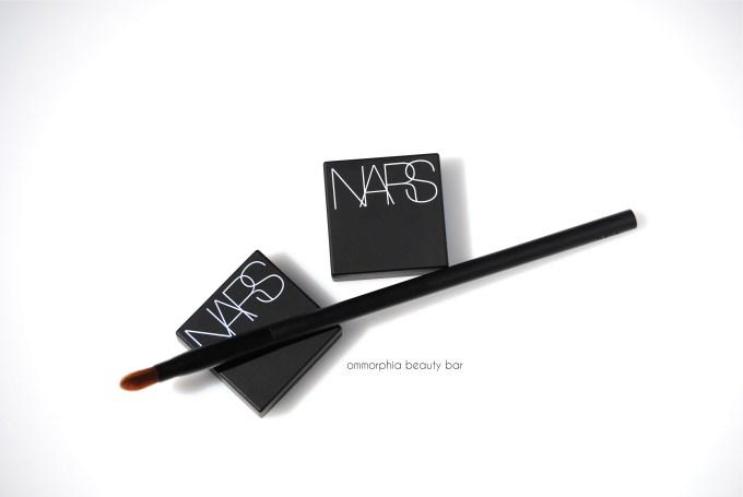 NARS Dual Intensity & brush