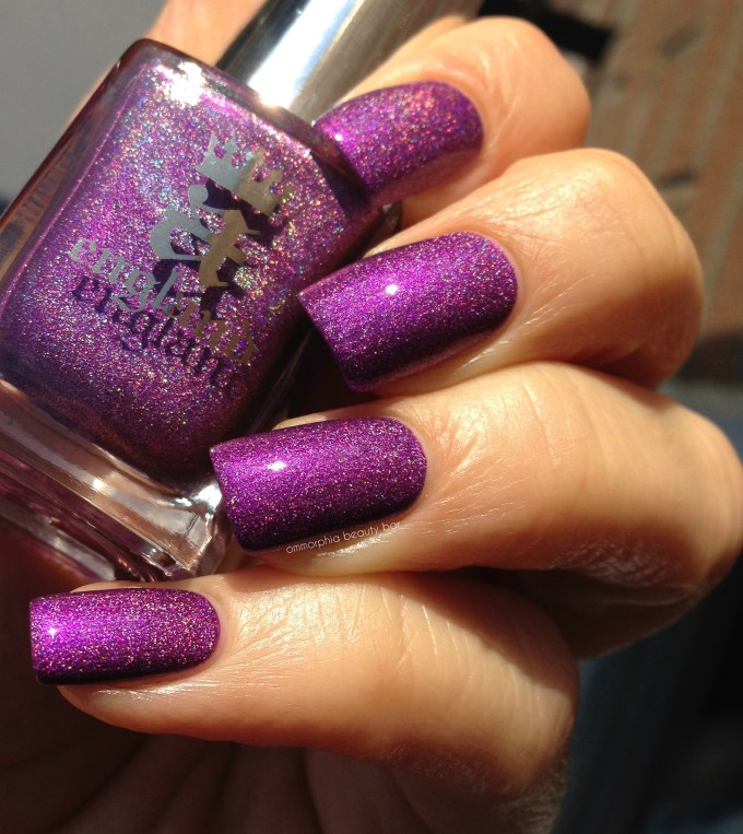 a-england Crown of Thistles swatch