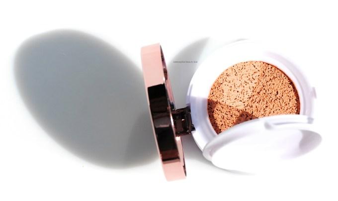 L'Oréal Lumi Cushion closer