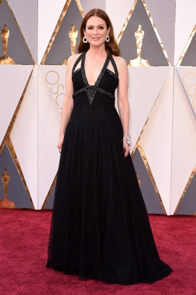 Julianne-Moore-Oscars-2016-Red-Carpet-Vogue-28Feb16-Rex_b