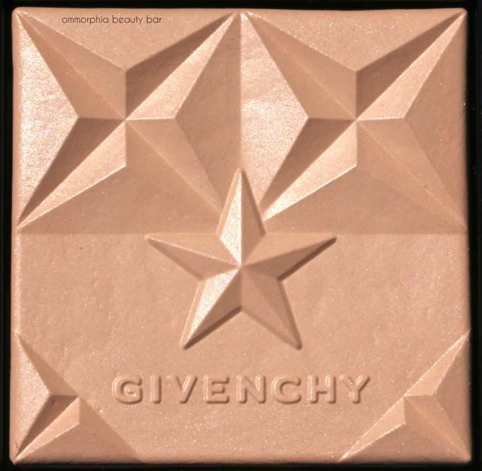Givenchy 01 Première Saison Healthy Glow Powder macro