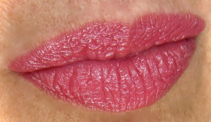 Guerlain Fall 2016 Fall In Red lipstick swatch